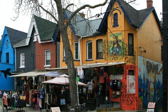 Kensington Market and Spadina Avenue: Schöne bunte Häuser