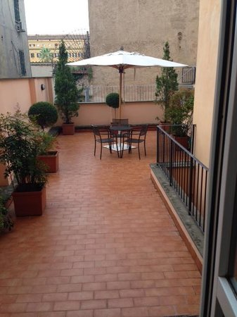 Hotel Diocleziano : the huge balcony