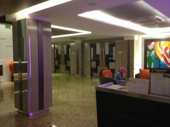 The Brunei Hotel : Lobby
