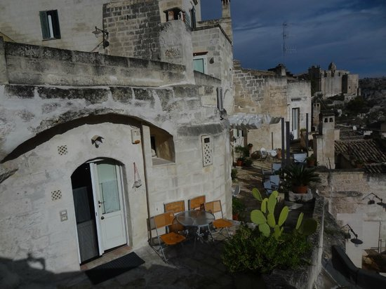 Fra i Sassi Residence: Outside area