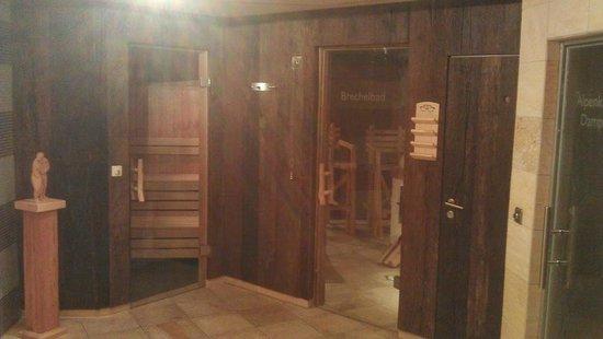 Hotel Maximilian: Sauna / Brechelbad