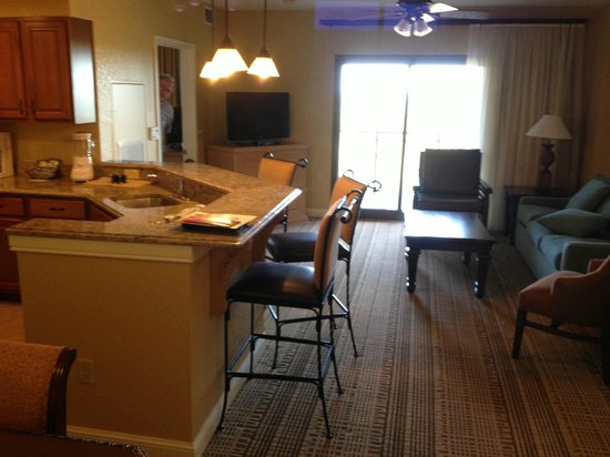 Wyndham Bonnet Creek Resort: Living Room/kitchen
