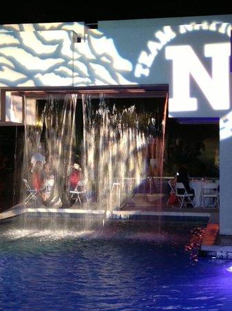 Pier Sixty-Six Hotel & Marina: Bon Vogage party/buffet