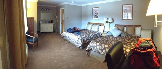 West Point Motel: XL room