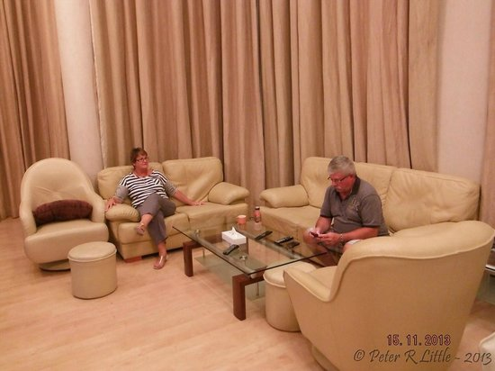One Pavilion Luxury Serviced Apartments: Living area