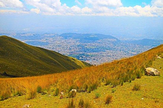 Teleferico Quito: View of Quito