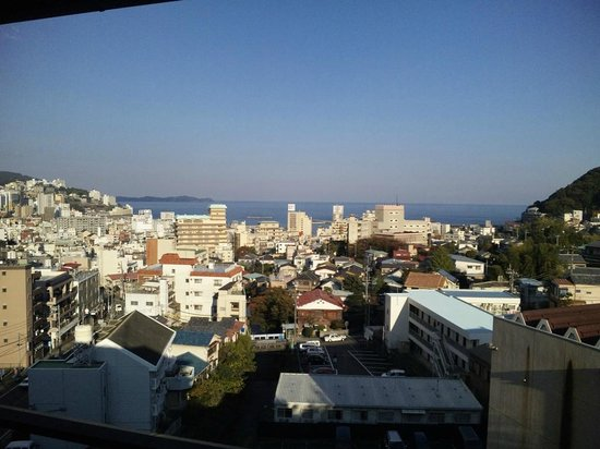 Koarashitei: 大浴場、及び海側客室からの眺め