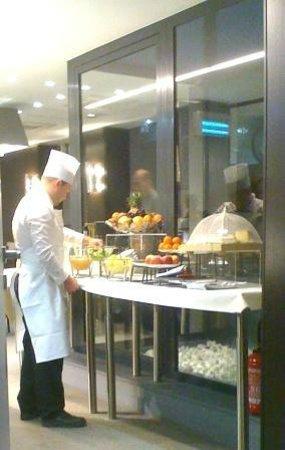 Grand Hotel Grenoble Centre: Une omelette vous ferait-elle plaisir?