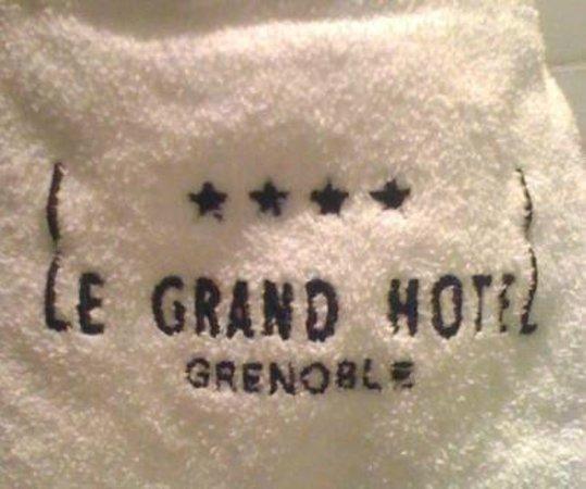 Grand Hotel Grenoble Centre: Mo peignoir brodé...