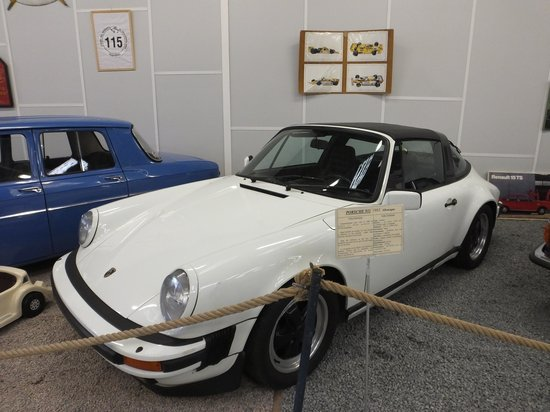 jolie voiture foto van automobile museum of bellenaves bellenaves tripadvisor. Black Bedroom Furniture Sets. Home Design Ideas