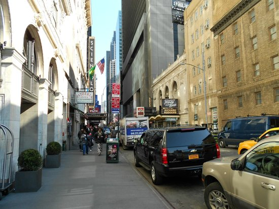 Paramount Hotel Times Square New York: Afuera del hotel