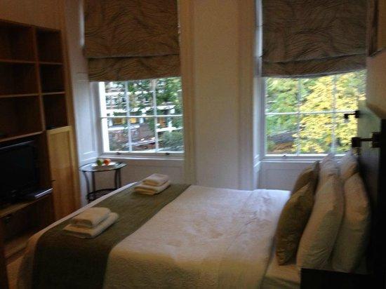 Studios2Let Serviced Apartments - Cartwright Gardens: lit