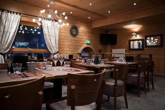 Hotel Bellevue: Brasserie rénovée en 2013