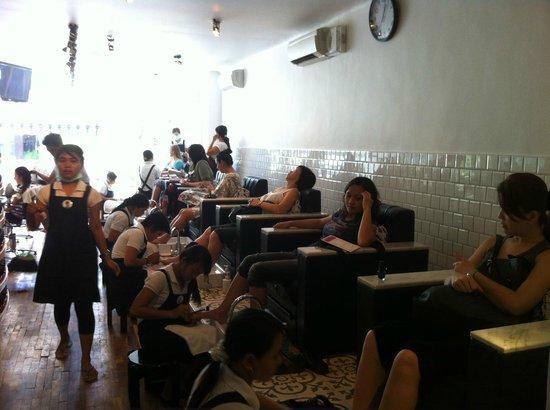 Amo Spa: manicure pedicure area