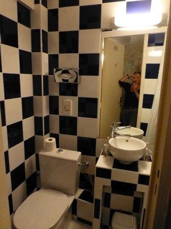 Hotel Villa Rivoli: salle d'eau