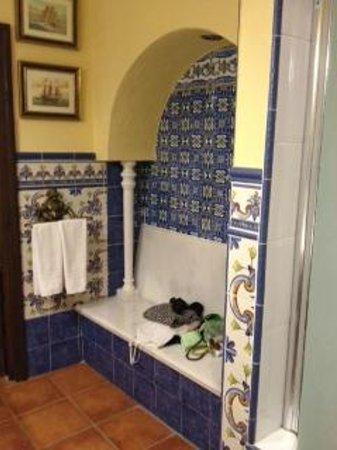 Hotel San Gabriel: en suite bathroom