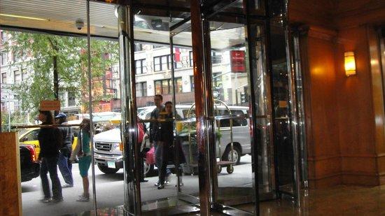 Radisson Martinique on Broadway: entrada do hotel
