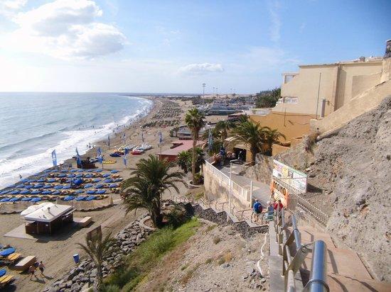 San Nicolas: Set of steps to beach