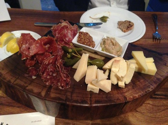 Bluebeard : Charcuterie and cheese sampler