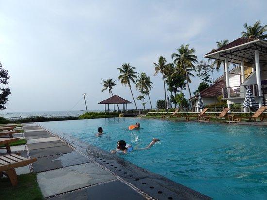 Clean Swimming Pool Picture Of Karma Chakra Kumarakom Tripadvisor