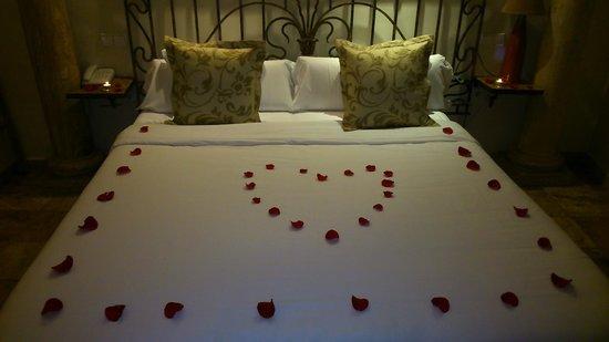 Hotel Abaco Altea: Habitación César con un capricho romántico