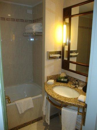 Hotel Papadopoli Venezia MGallery by Sofitel: Banheiro