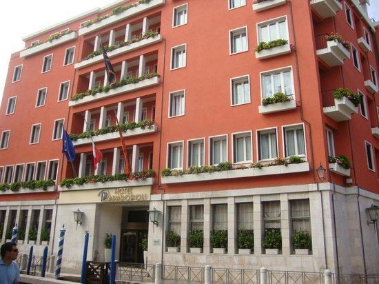 Hotel Papadopoli Venezia MGallery by Sofitel : Vista da frente