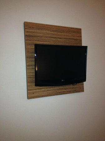 Travelodge Manchester Central Arena: TV on wall 11/13