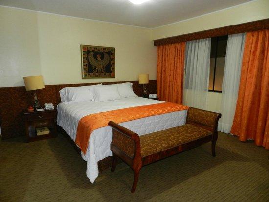 Faraona Grand Hotel: Tres grande chambre