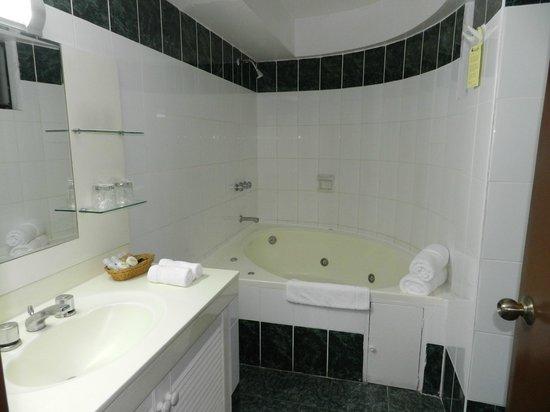 Faraona Grand Hotel: Salle de bain