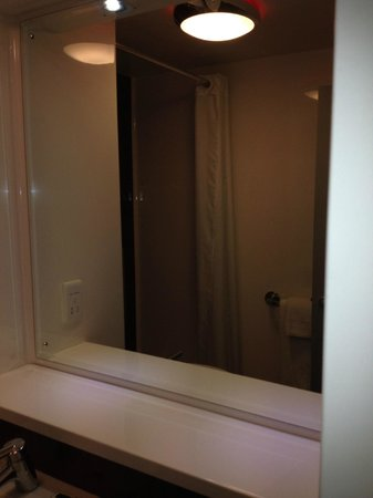 Travelodge Manchester Central Arena: big mirror 11/13