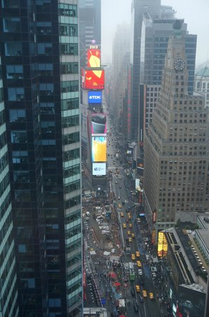 DoubleTree Suites by Hilton Hotel New York City - Times Square: View from Our Corner Room
