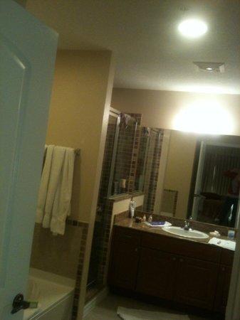 The Point Orlando Resort : banheiro com hidro