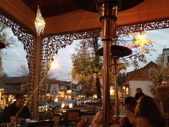 Havana Restaurant & Bar: sitting outside staying warm