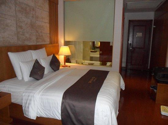EdenStar Saigon Hotel : la chambre