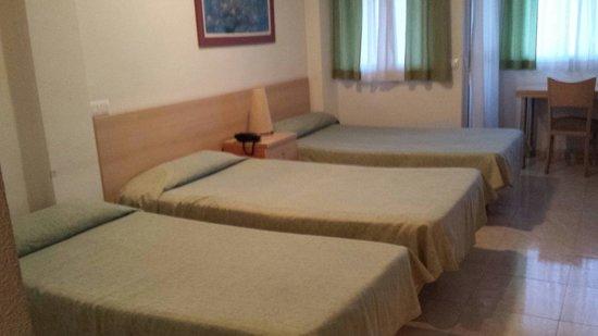 Apartamentos Arrixaca: ESTUDIO TRIPLE