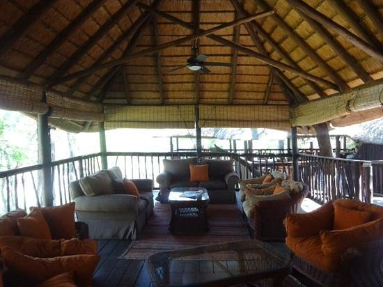 Idube Private Game Reserve Lodge: chill out area