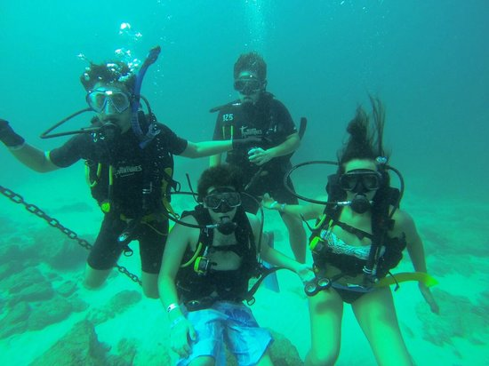 Scuba Diving Adventures : Me and my friends
