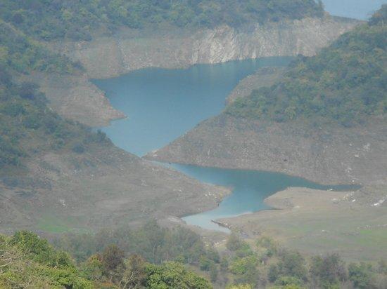 Bilaspur, Indie: view of Govind sagar Lake