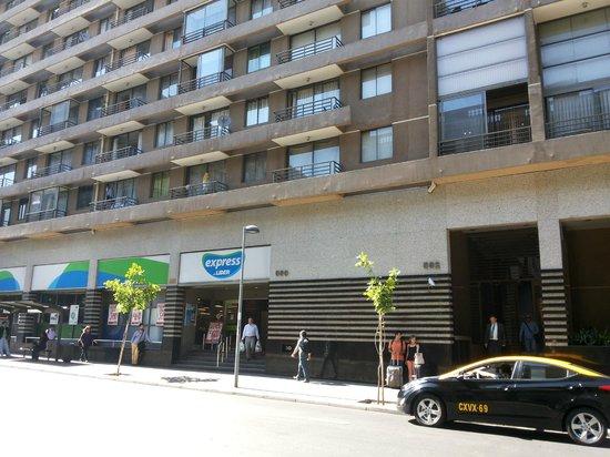 Altura Suites: Edificio - Abaixo Supermercado