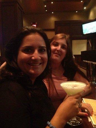 Iron Hill Brewery & Restaurant: drinks w my friend Nathalie