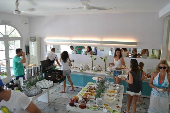 Ios Palace Hotel: sala colazione