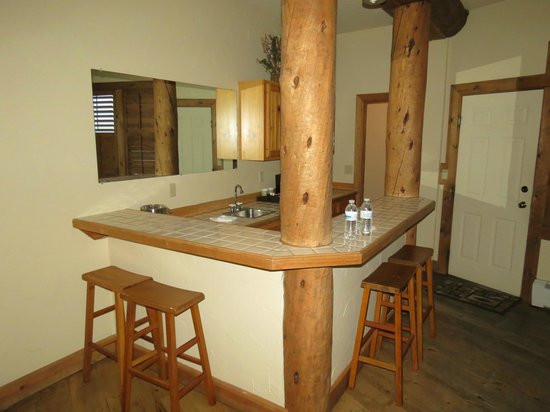 The Lodge at Breckenridge: Mountainview suite kitchenette