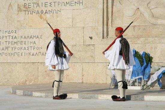 Platia Syntagmatos: parade 7