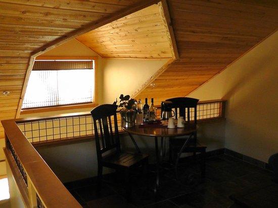 Chalet View Lodge: Sitzecke oben