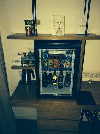 Wes Hotel: Minibar