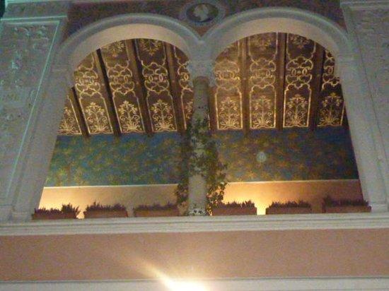 Hotel dei Pittori: soffitto della loggia