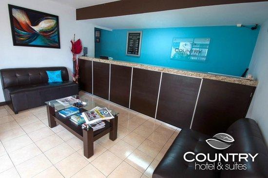 Country Hotel & Suites: Recepcion