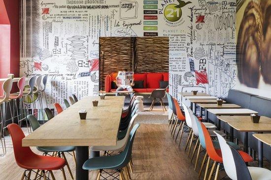 Ibis Nantes Centre Tour Bretagne : Salle de petit-déjeuner