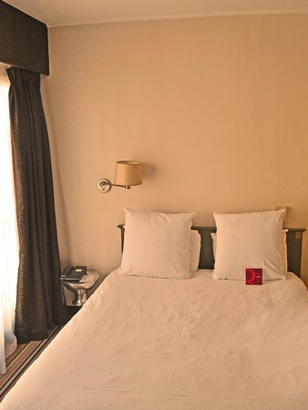 Mercure Paris Bastille Saint Antoine : Large and confortable bed